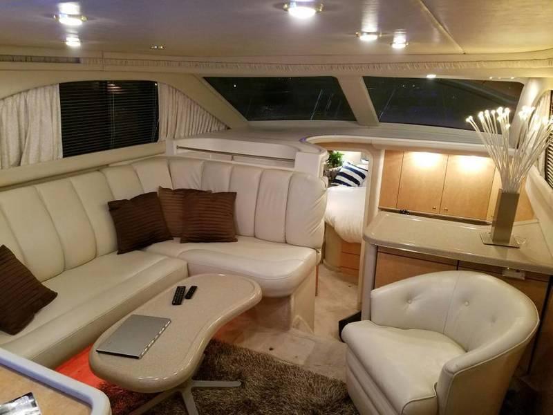 Sea Ray - 370 Aft Cabin