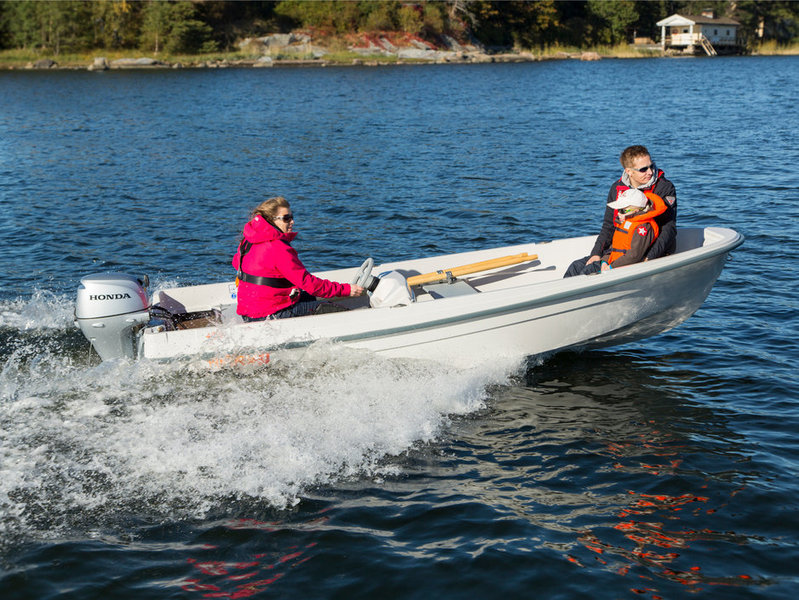 Terhi - 400 C BOAT NEW MODEL  DELIVERY AVAILABLE GREEN OR WHITE
