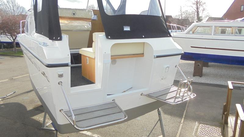 Viking - 255 Wide Beam HiLine