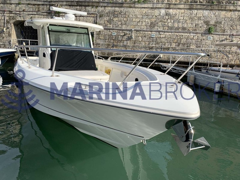 Boston Whaler - 370 OUTRAGE