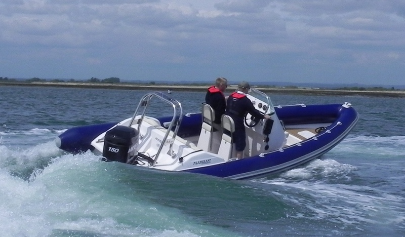 Mercury Mariner MerCruiser - Outboards Inboards Four / Two Strokes