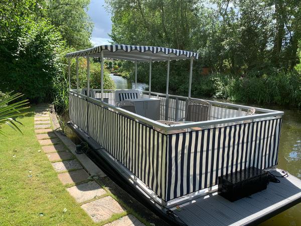 Custom - Pontoon Boat