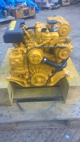 Vetus - M2.04 11hp Marine Diesel Engine Package