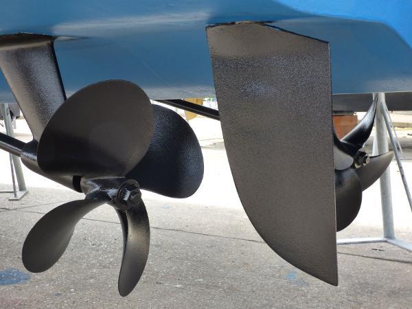 Fairline - Squadron 42