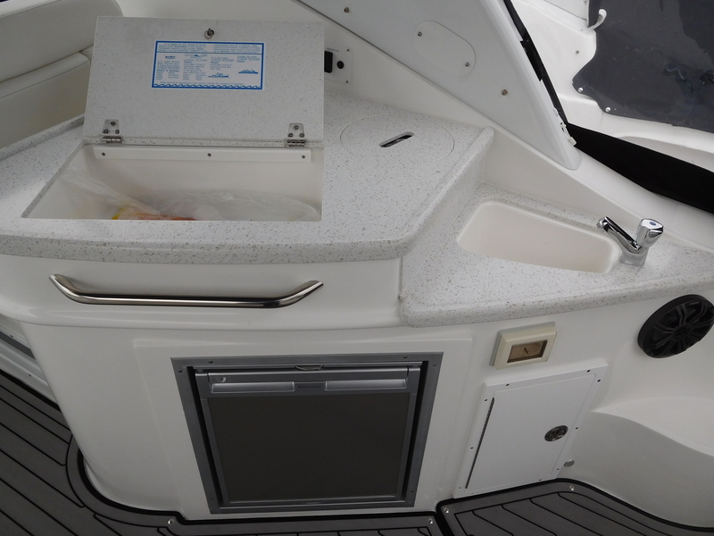 Rinker - 290 EX - 2020 Model *SOLD*