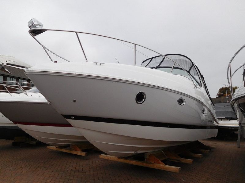 Rinker - 290 EX - 2020 Model *SOLD*