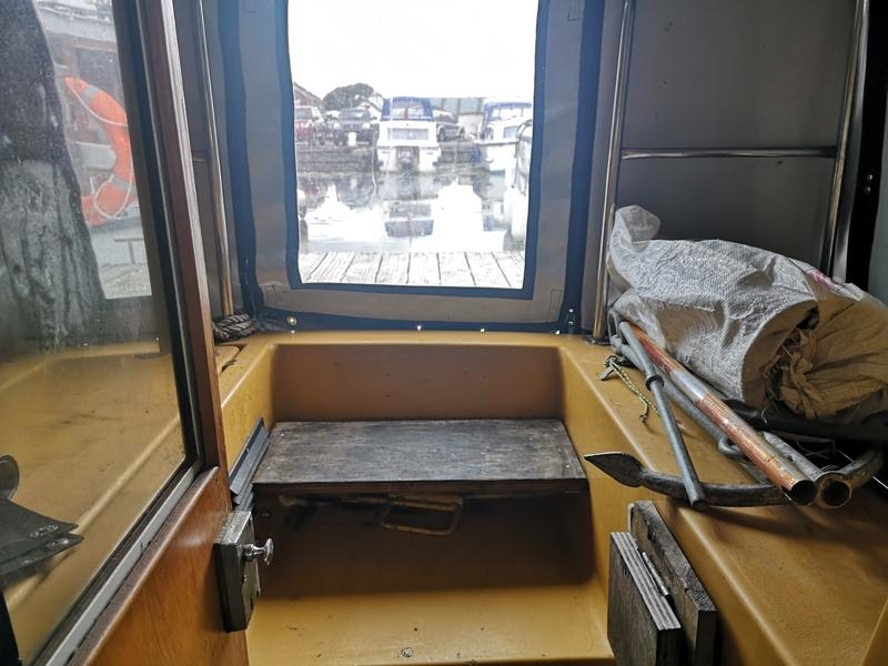 *** SOLD *** Hereward Boat Builders - 30 Broads Cruiser