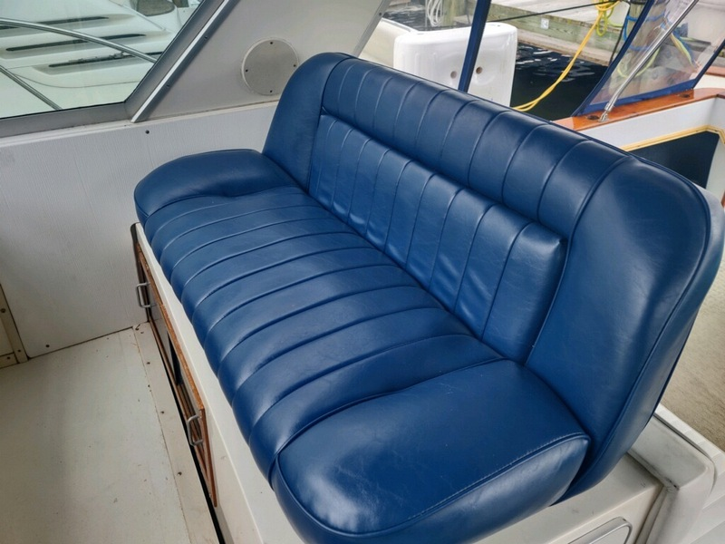 Sea Ray - 390 Express Cruiser
