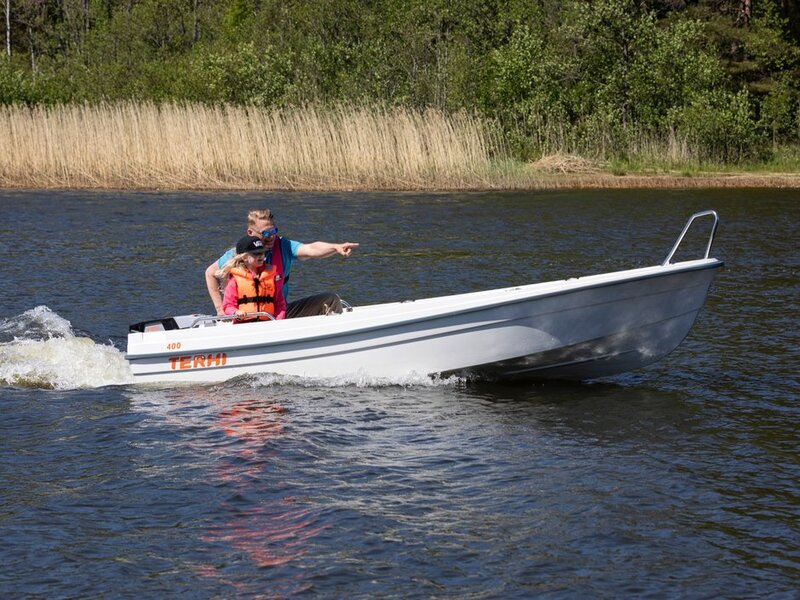 Terhi - 400 OPEN BOAT NEW MODEL DELIVERY AVAILABLE GREEN OR WHITE