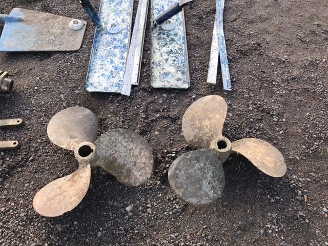 under water gear - rudders, shafts, props