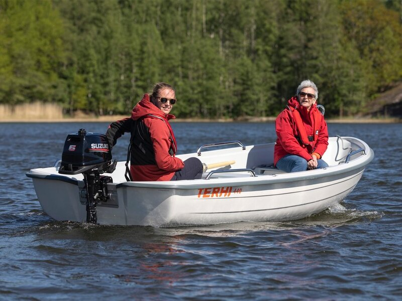 Terhi - 440 OPEN BOAT  LOCAL DELIVERY AVAILABLE. WHITE ONLY