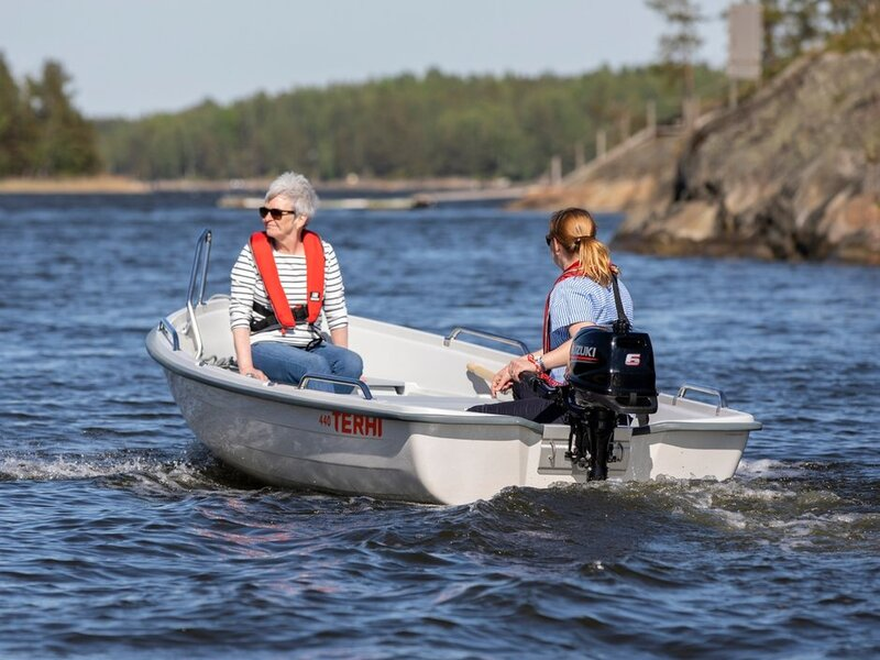 Terhi - 440 OPEN BOAT   DELIVERY AVAILABLE. WHITE ONLY