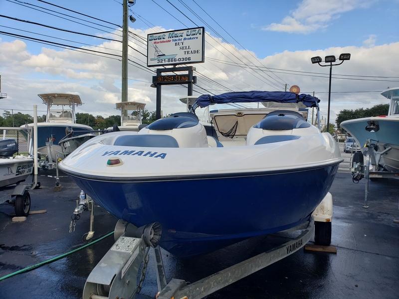 Yamaha - LX 210