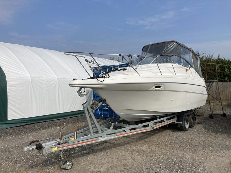 Maxum - 2400 SE with trailer