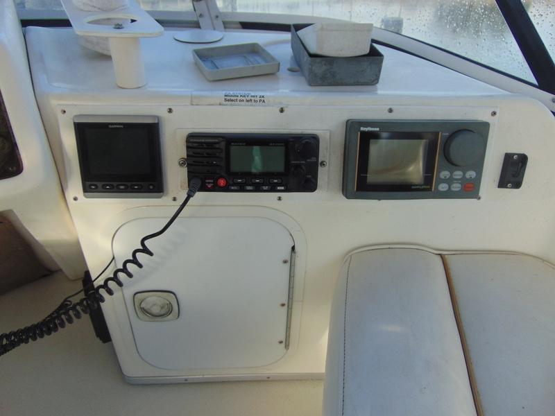 Sea Ray - 370 sedan bridge