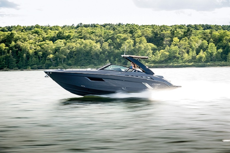 Cruisers Yachts - 338 South Beach *New*