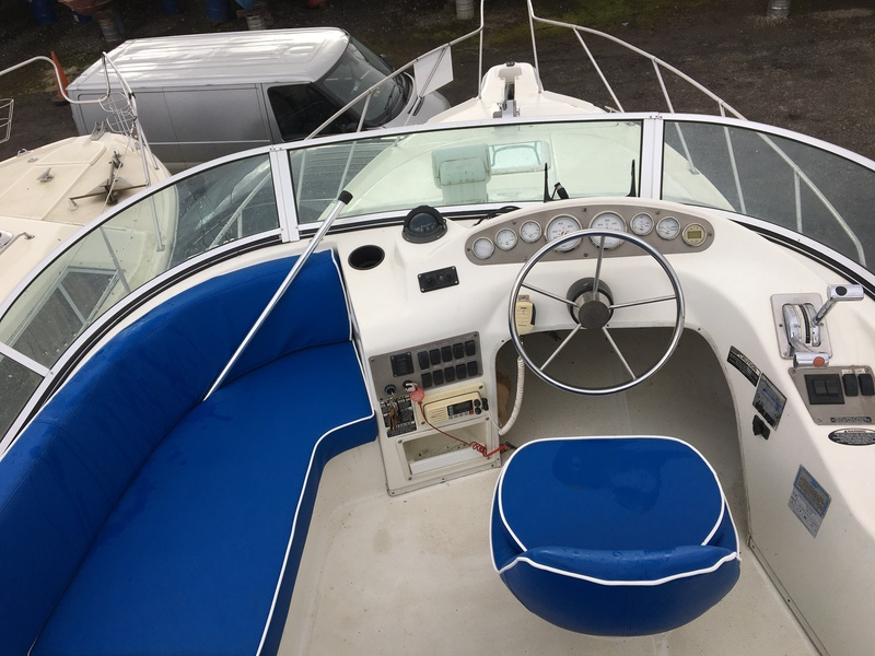 Bayliner - 2858 Flybridge (Ask for a virtual tour)